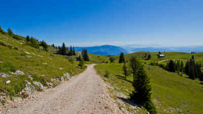 Wanderweg entlang der Villacher Alpenstraße in Kärnten