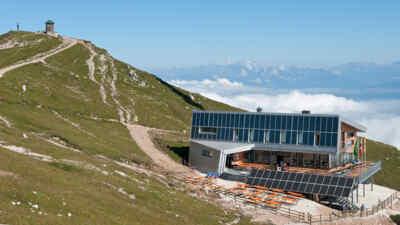 Gipfelhaus Dobratsch Seitenansicht
